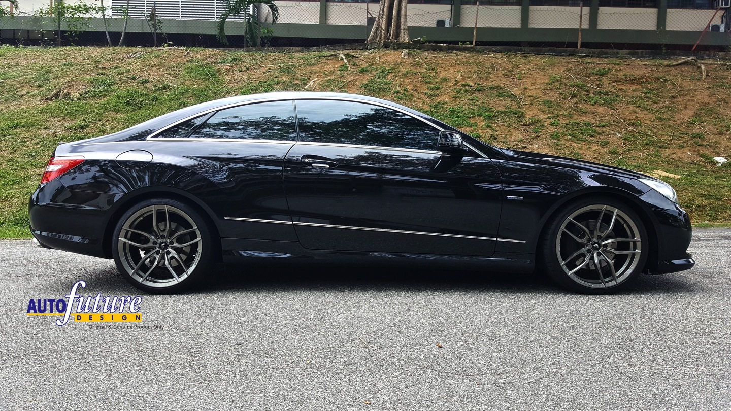Sleek sporty mercedes benz e class coupe w207 equipped for Mercedes benz w207