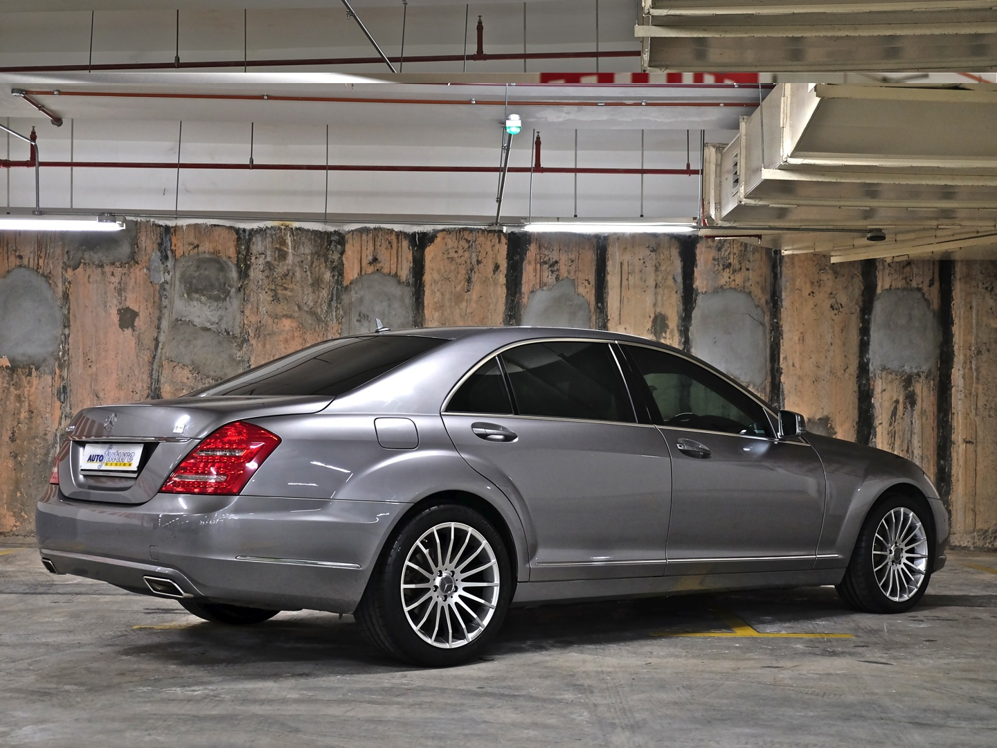 Turning Up The Heat: MercedesBenz W221 SClass Equipped With Carlsson 1\/10 RS Wheels