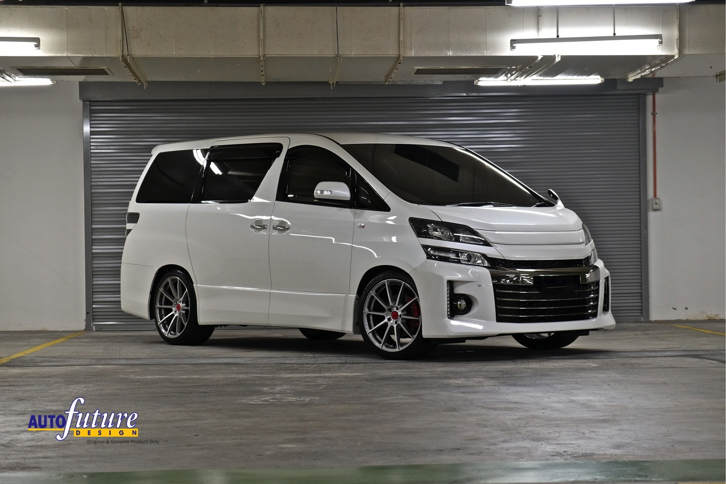 Toyota Vellfire Equipped With Vorsteiner V-FF 102 Wheels