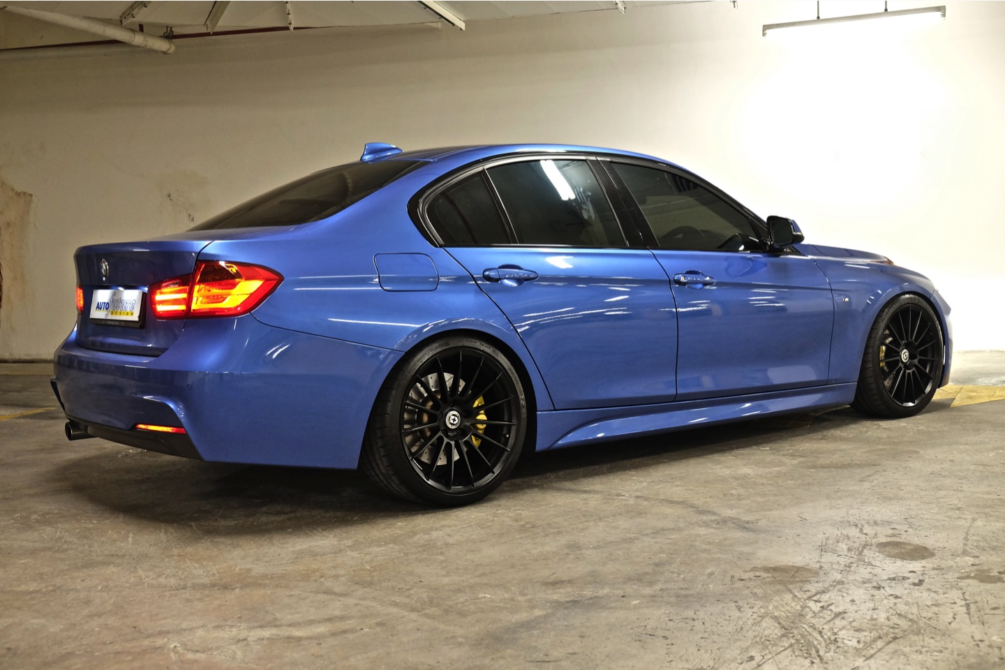 copied slammed with another 3 series bmw f30 equipped with hre s flowform ff15 wheels. Black Bedroom Furniture Sets. Home Design Ideas