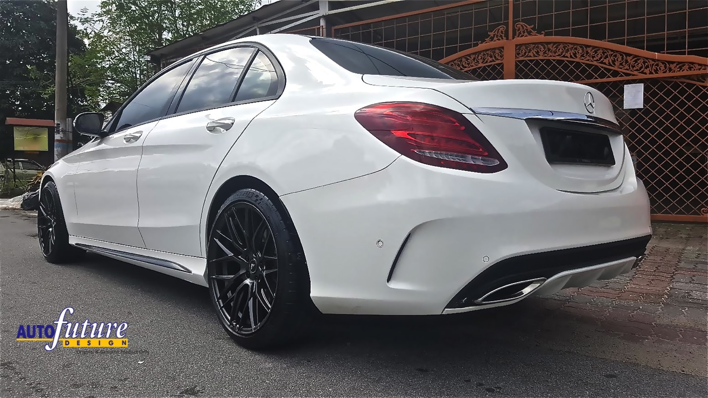 Contrasting key mercedes benz c250 equipped with for Mercedes benz tires c250