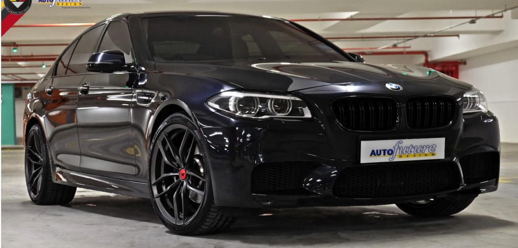 Carbon Couples Carbon Black Bmw F10 5 Series Equipped With