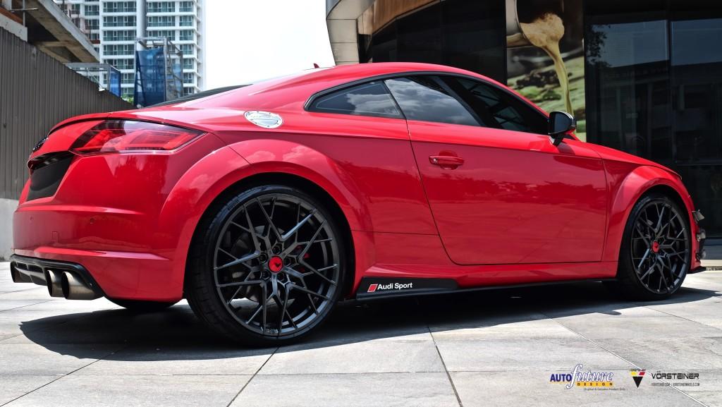 Audi TTS-19