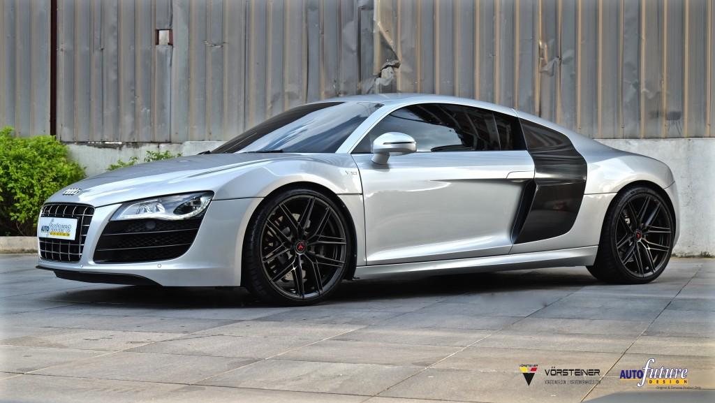 Audi R8 V10-1